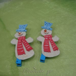 Snežak na ščipalki